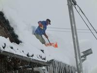 屋根の雪下ろし.jpg