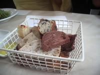 食べ放題のパン.jpg